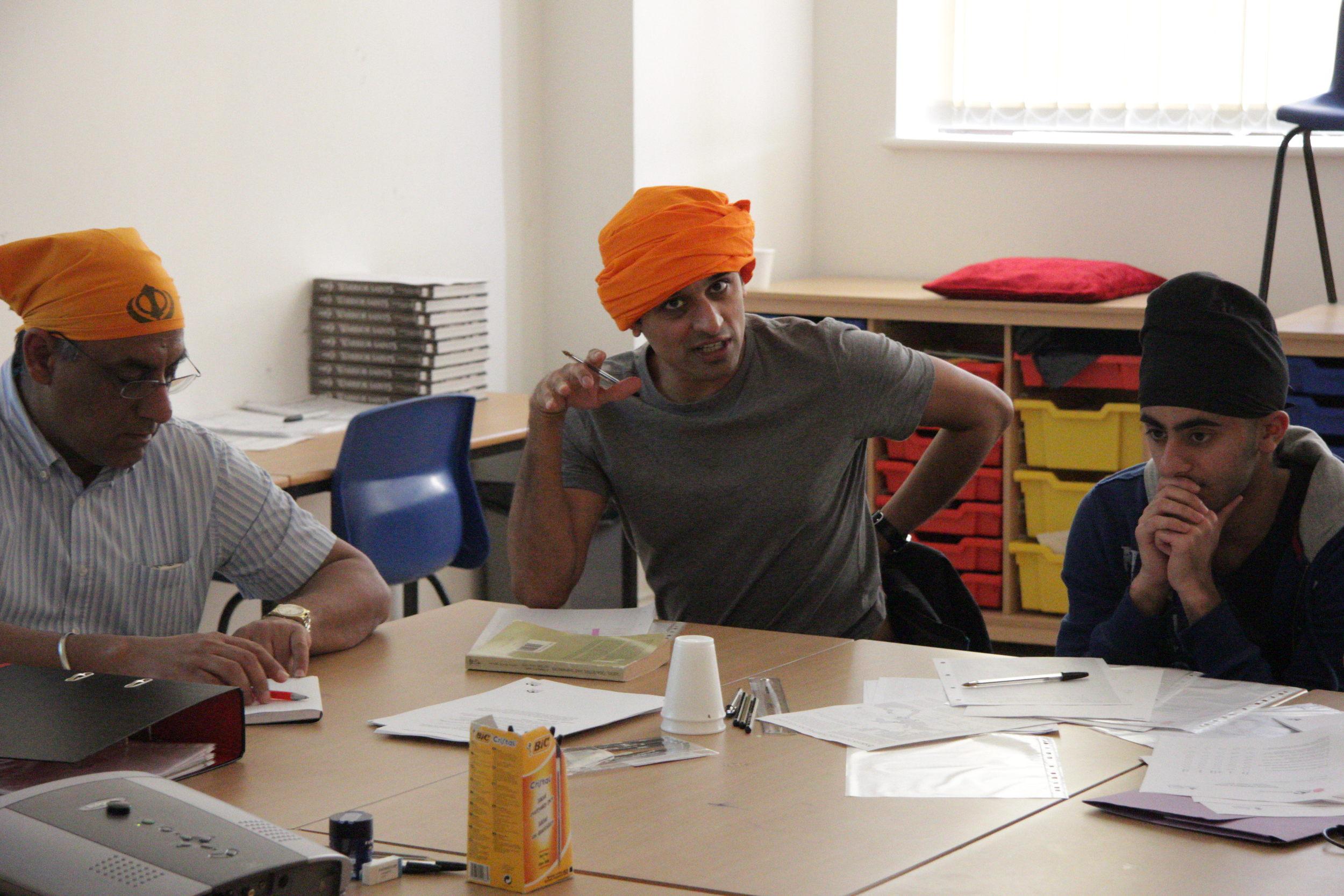 Avin Shah sports an interesting turban design - he cuts a certain dash, eh?