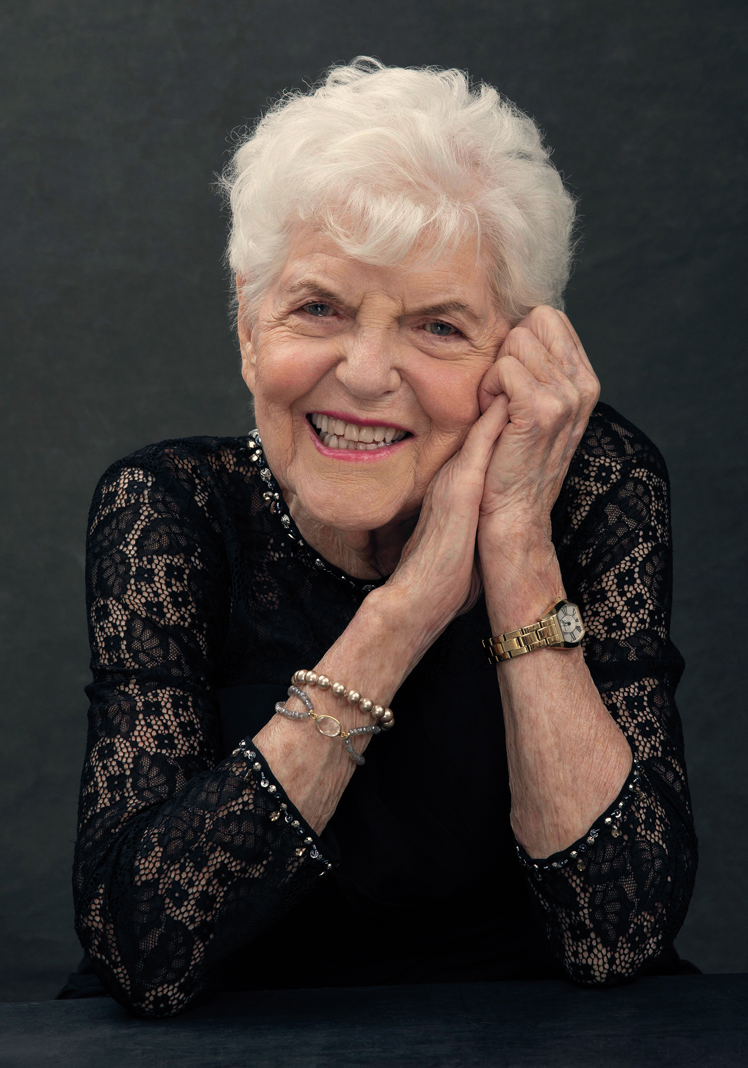 Beautiful-grandmom-portrait-photography-Starnberg
