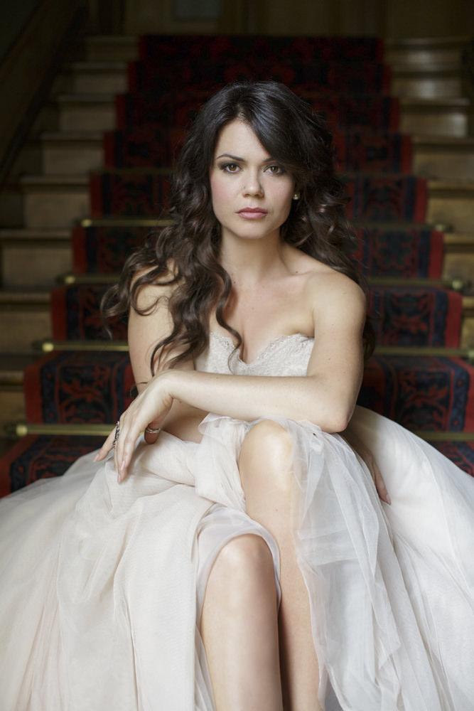 starnberger-studio-wall-art-wedding-gown-bride