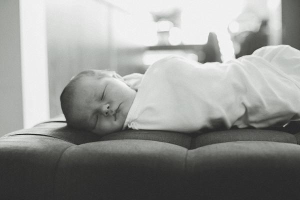 toronto-newborn-lifestyle-photography (14).jpg
