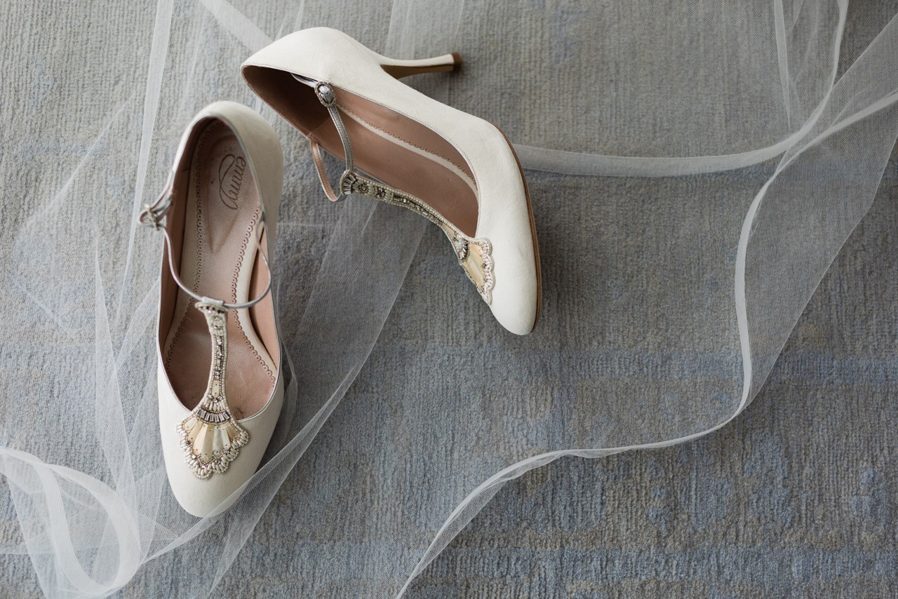 vintage wedding shoes and veil
