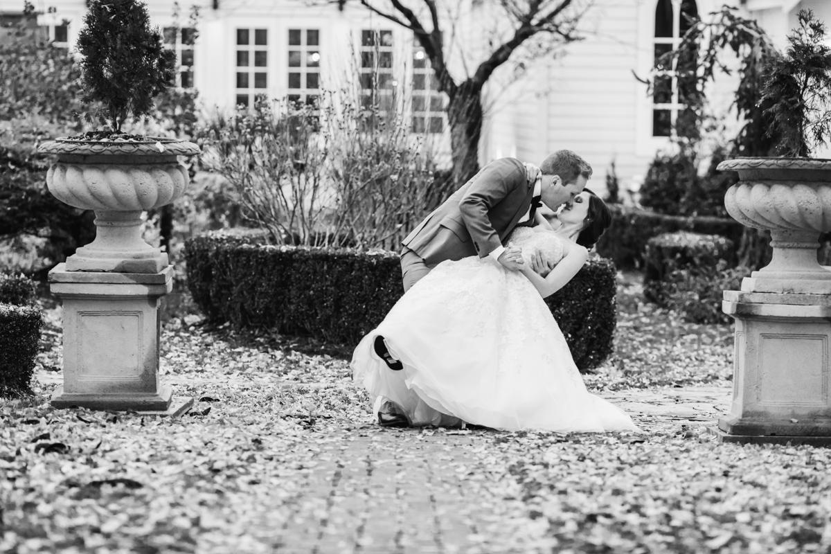 Doctors House Wedding Portraits-69.jpg