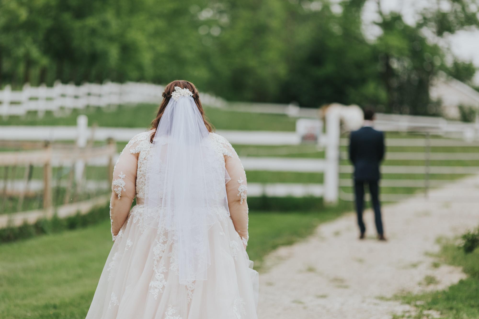 Summer-Farm-Backyard-Wedding-Portraits-5.jpg