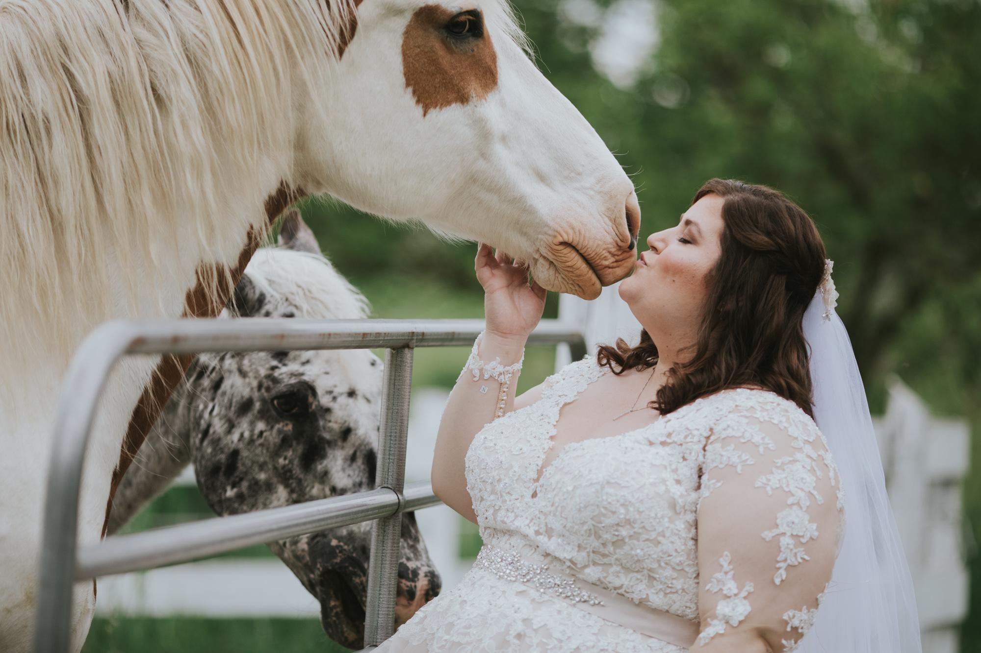 Summer-Farm-Backyard-Wedding-Portraits-34.jpg