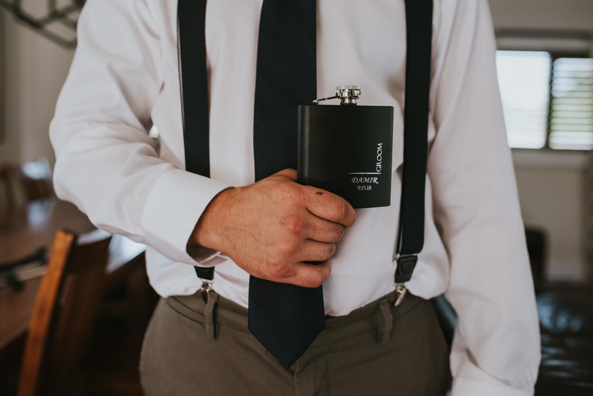 groomsmen-flask-gift