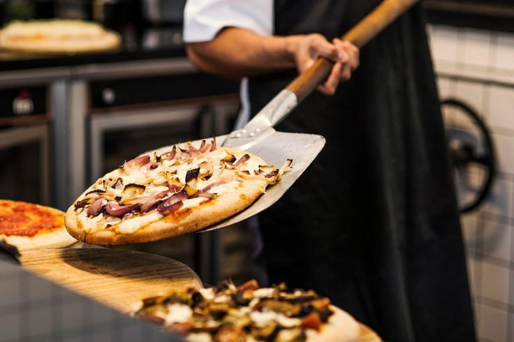 emmme studio picsa madrid pizza recien hecha.jpg