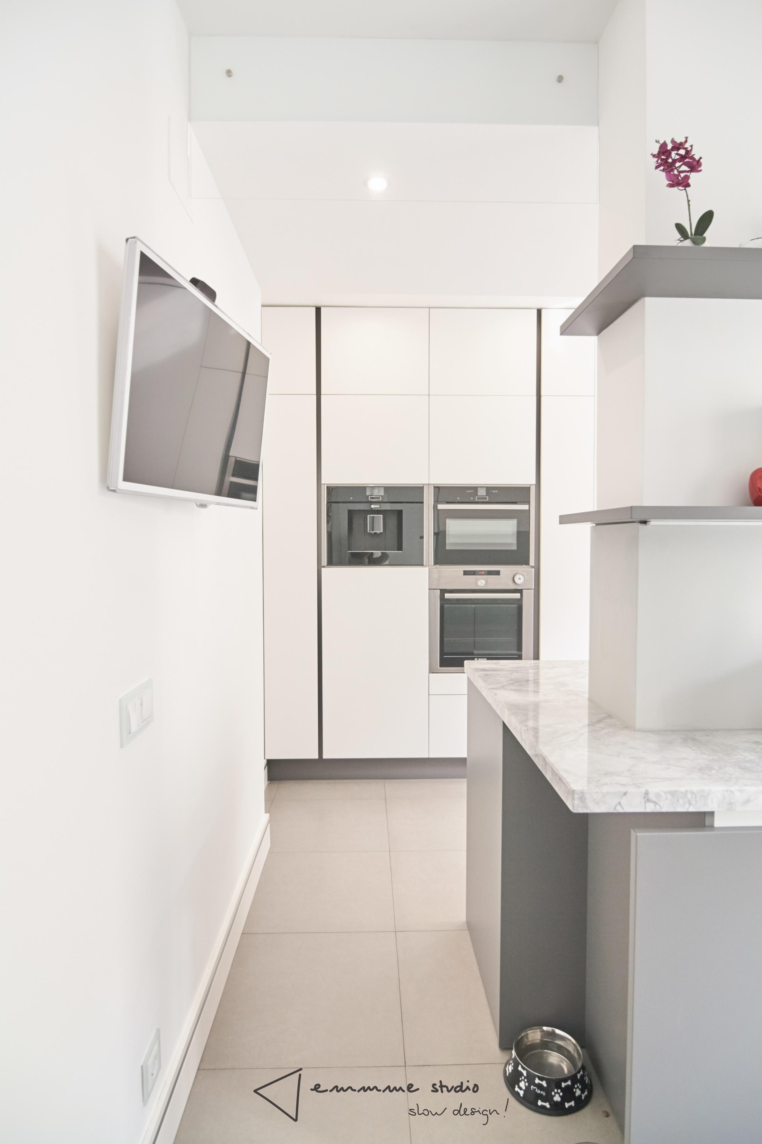 emmme studio_la cocina de Fernando y Laura_frente horno.jpg