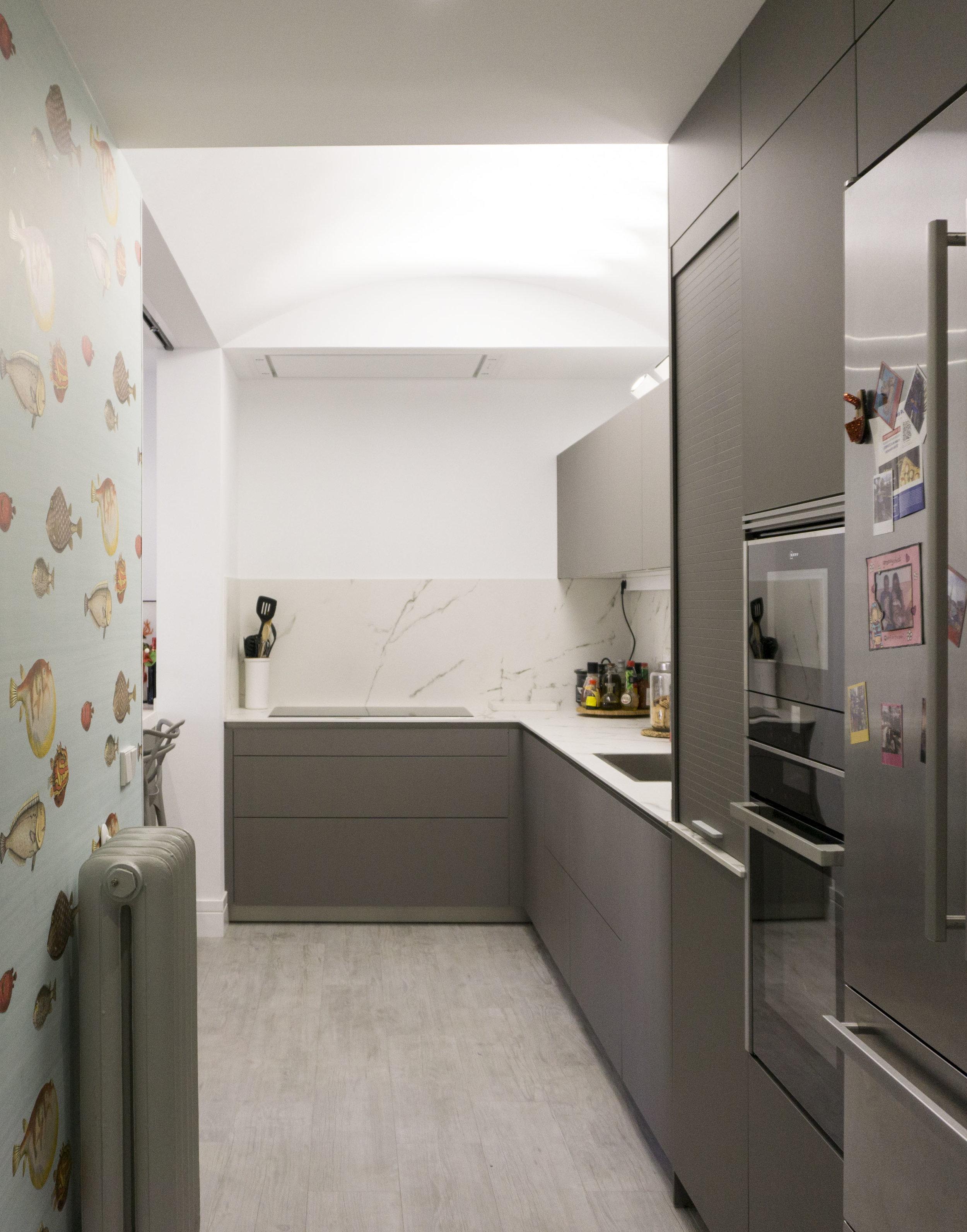diseño reformas slow emmme studio 03 cocina con papel vivienda Ayala SM.jpg