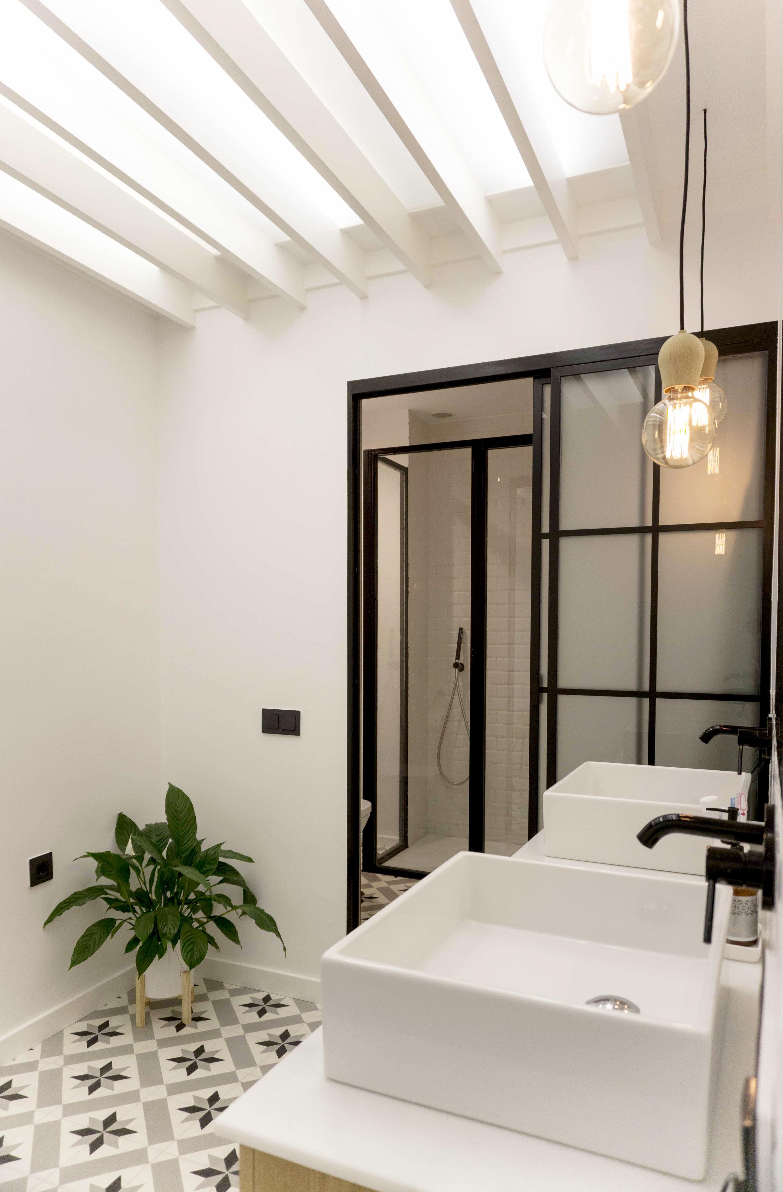 emmme studio AD baño principal el hogar de Laura y Pedro.jpg