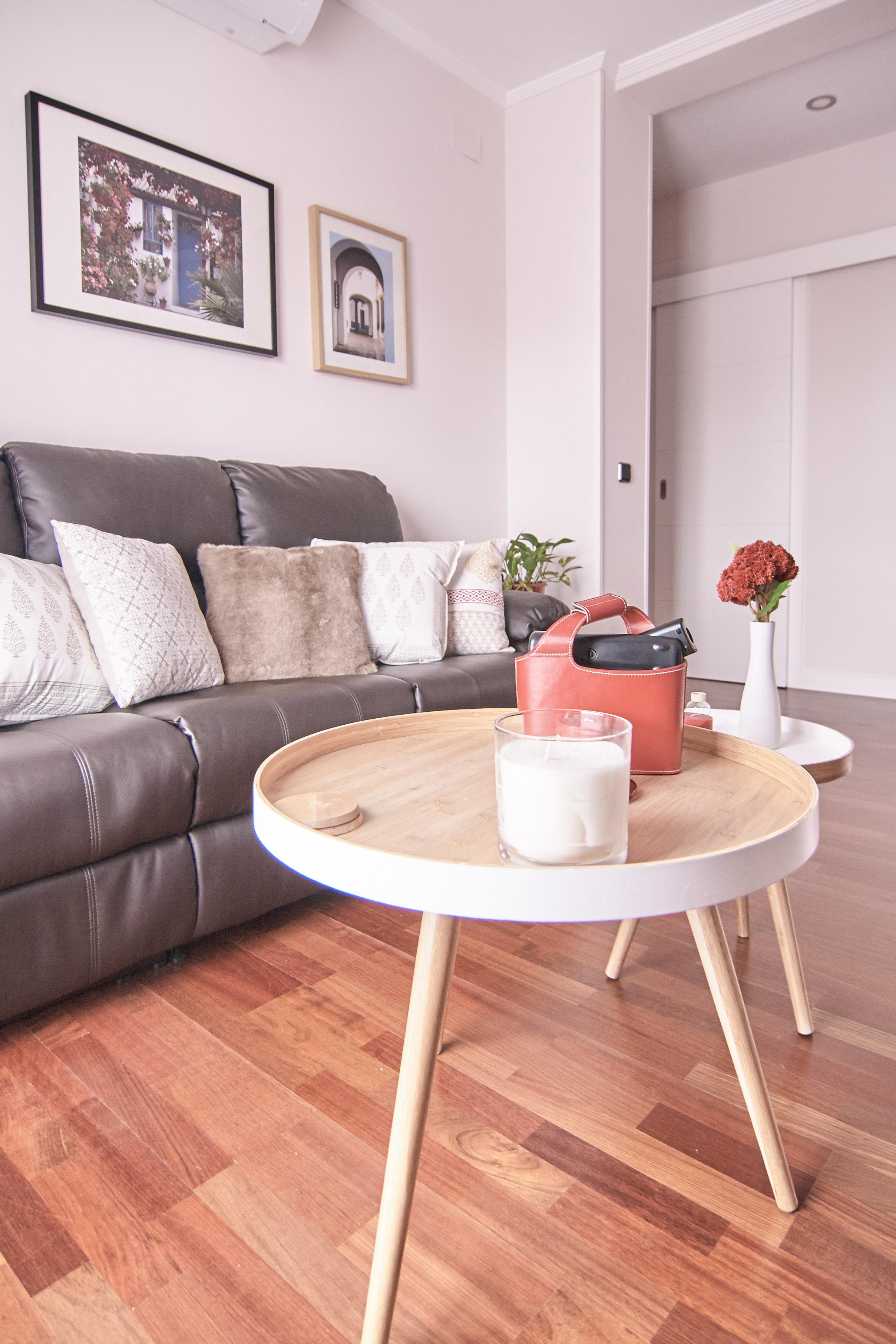 emmme studio amueblamiento decoracion Inma salon sofa mesas auxiliares.jpg