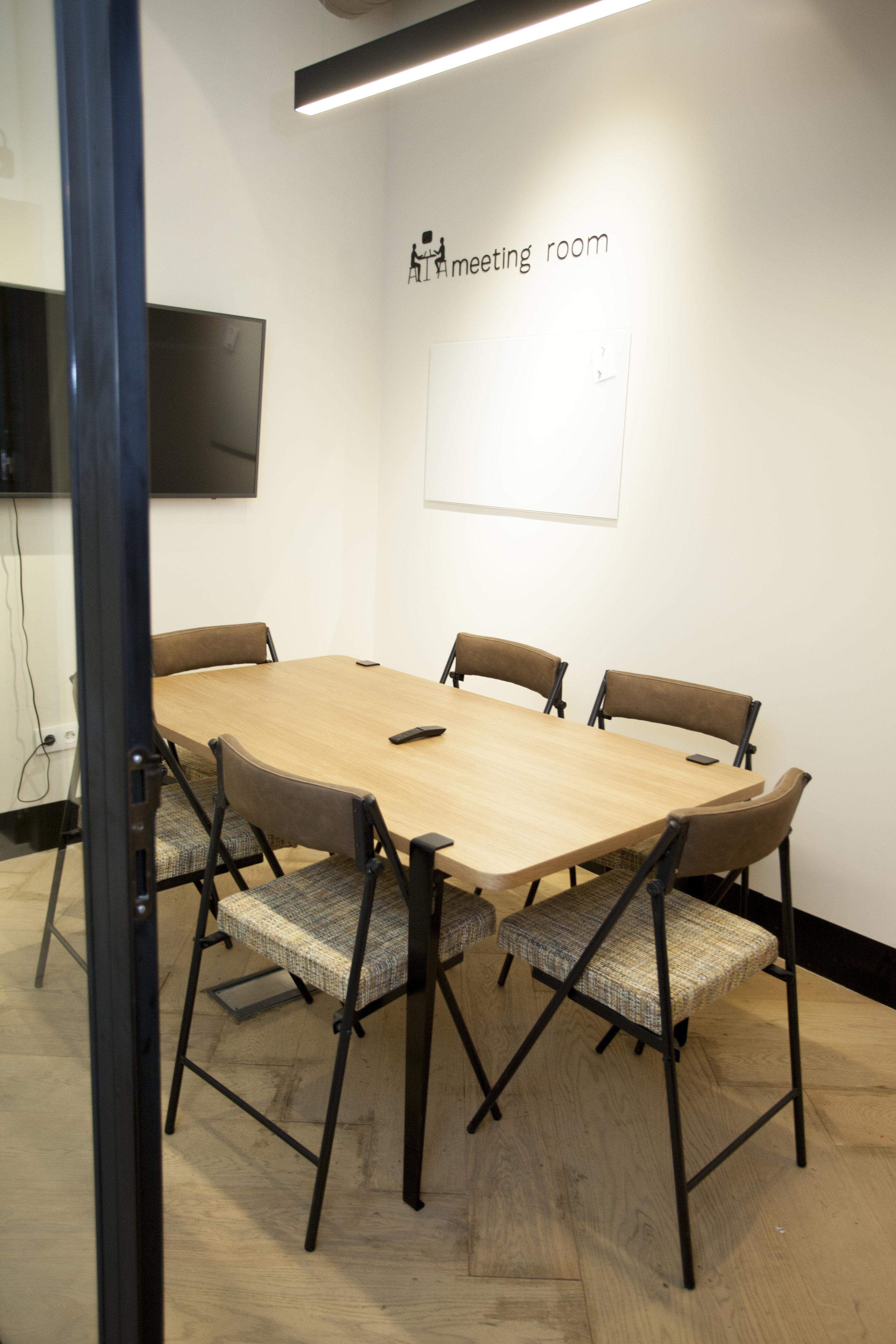 emmme studio restauracion Foodlab UrbanCampus meeting room.jpg