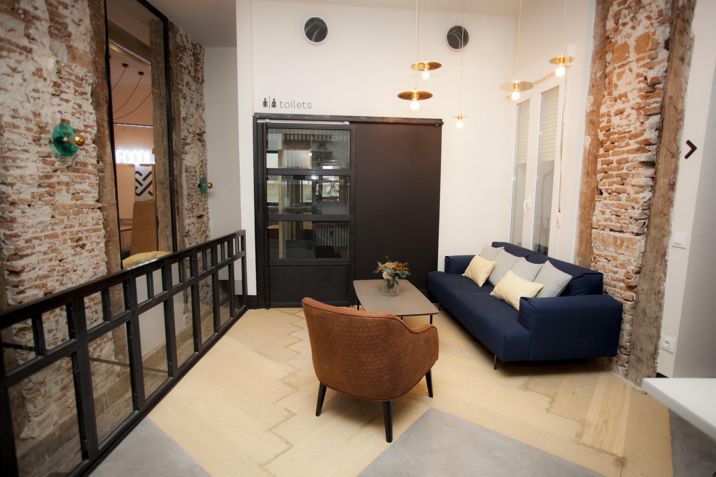 emmme studio restauracion Foodlab UrbanCampus estar y aseos.jpg