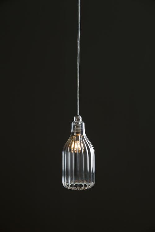 Vertical_single_pendant_light.jpeg