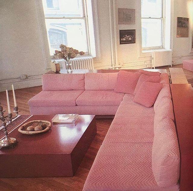 #Sundayspaces furniture by Tim Button, shot by Robert Perron. New York loft, 1982. Via @kimcoolmon 🎟