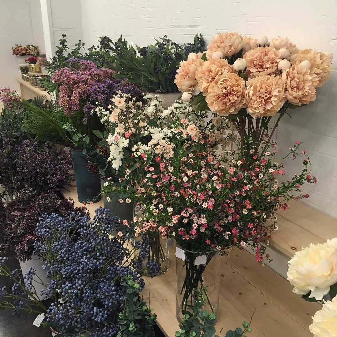 bodegathirteen_monday_mood_flowers.jpg