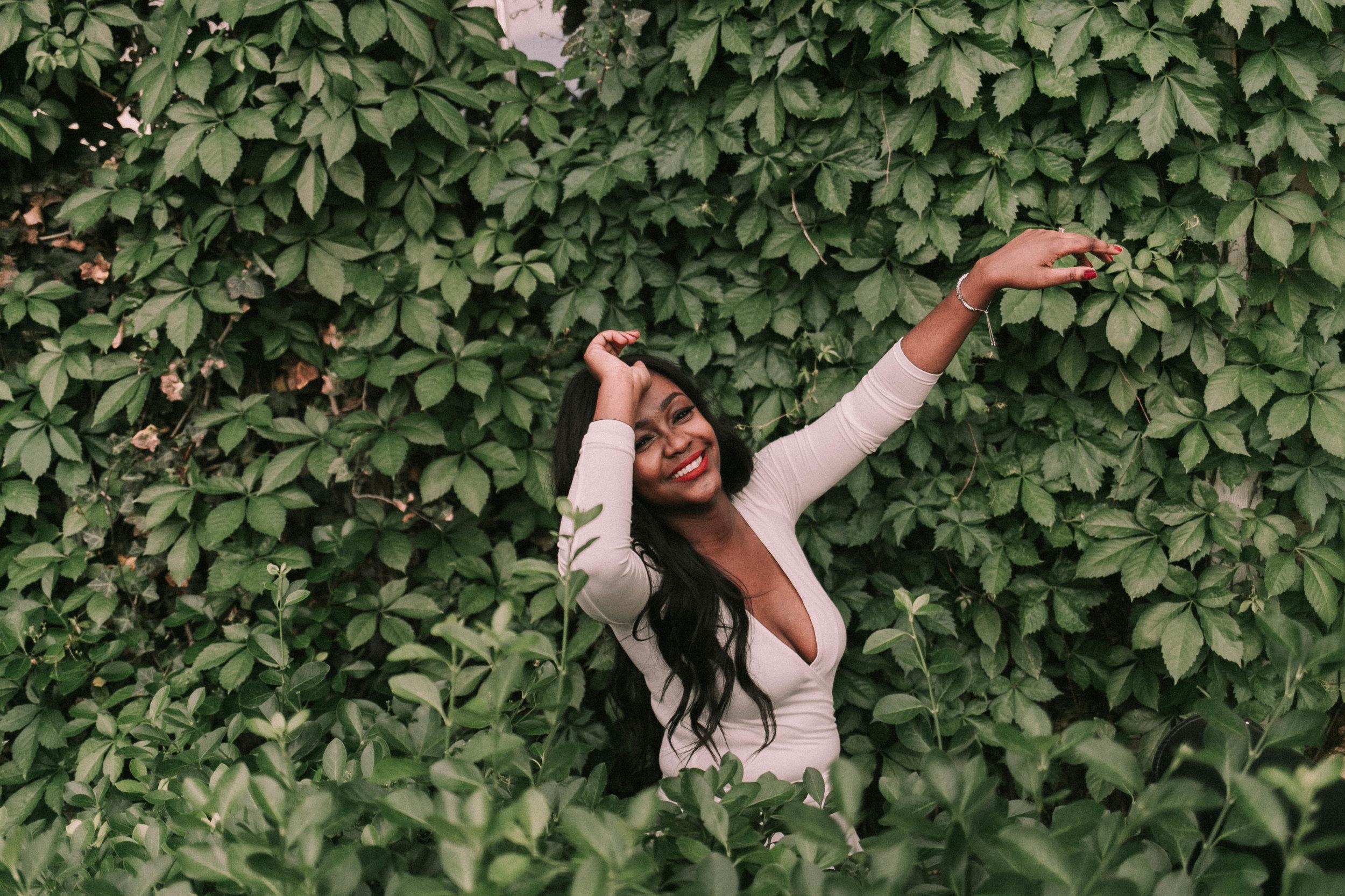 Diana | Texas Tech University Garden Graduate KAILEE ANN PHOTOGRAPHY | LUBBOCK SENIOR PHOTOGRAPHER | DIANA