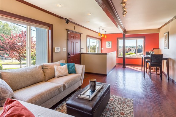 Comfortable Woodinville Rambler -