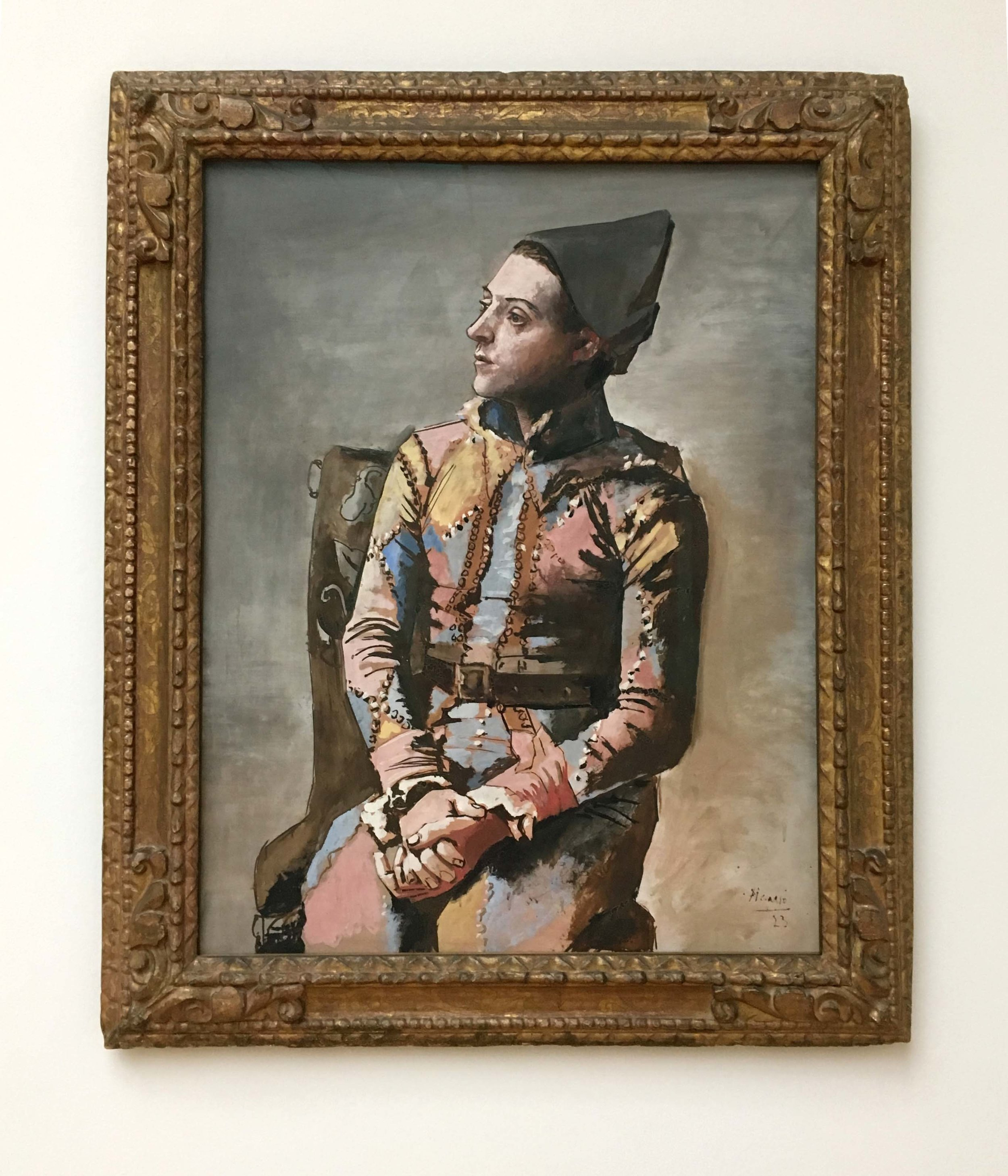 Pablo Picasso, Seated Harlequin, 1923