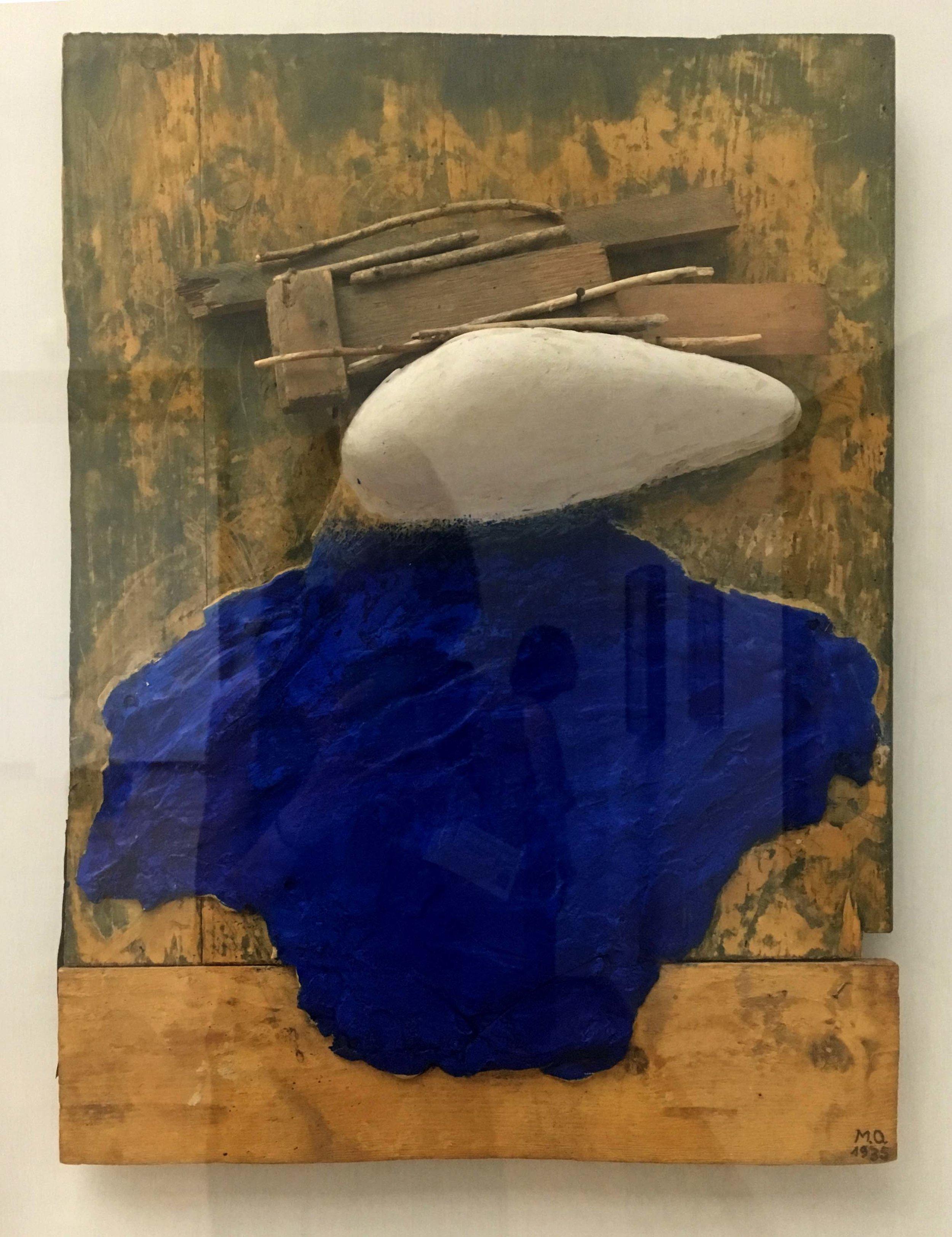 Meret Oppenheim, White head, blue garment, 1935