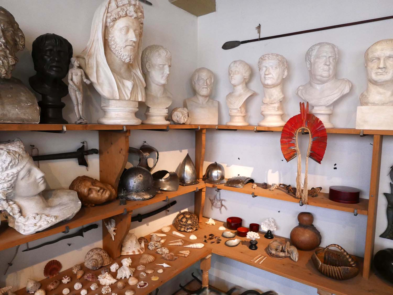 Rembrandt's cabinet of curiosities