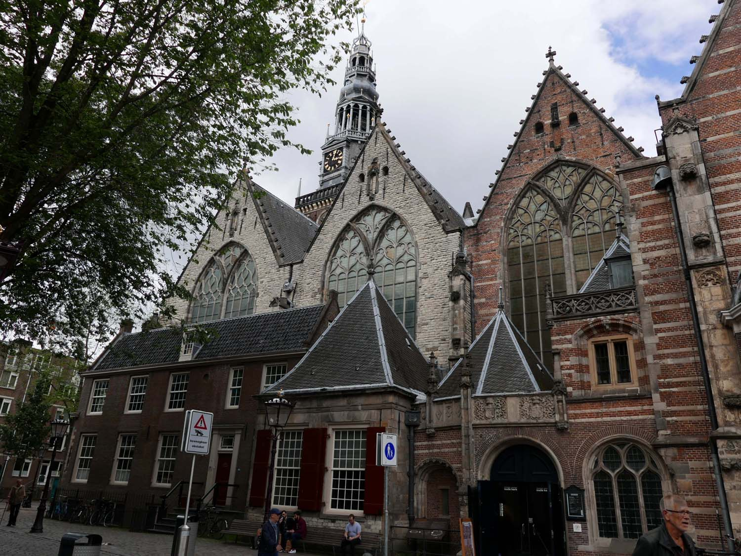 De Oude Kerk (the old church)