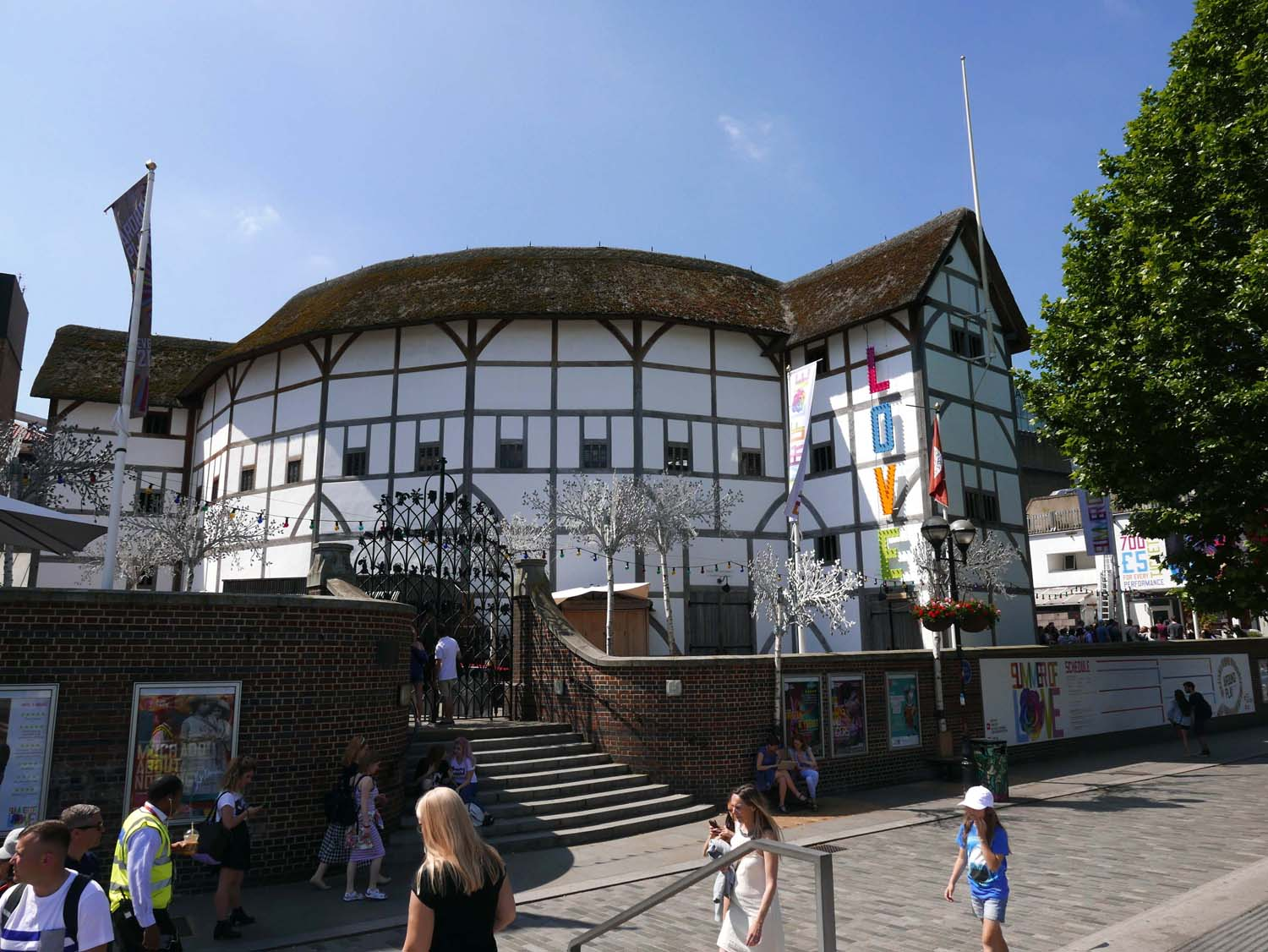 Re-creation of Shakespeare's Globe Theater