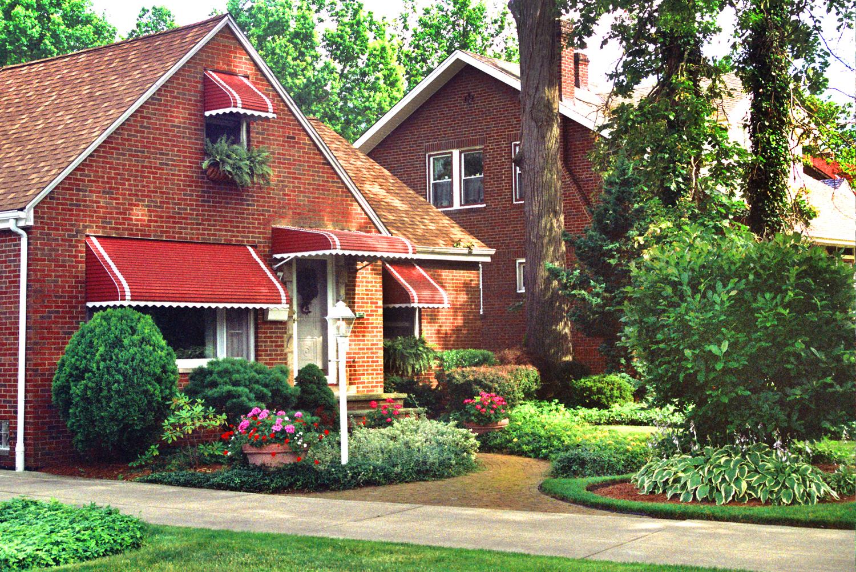 Brick Cottage Gardenesque Style