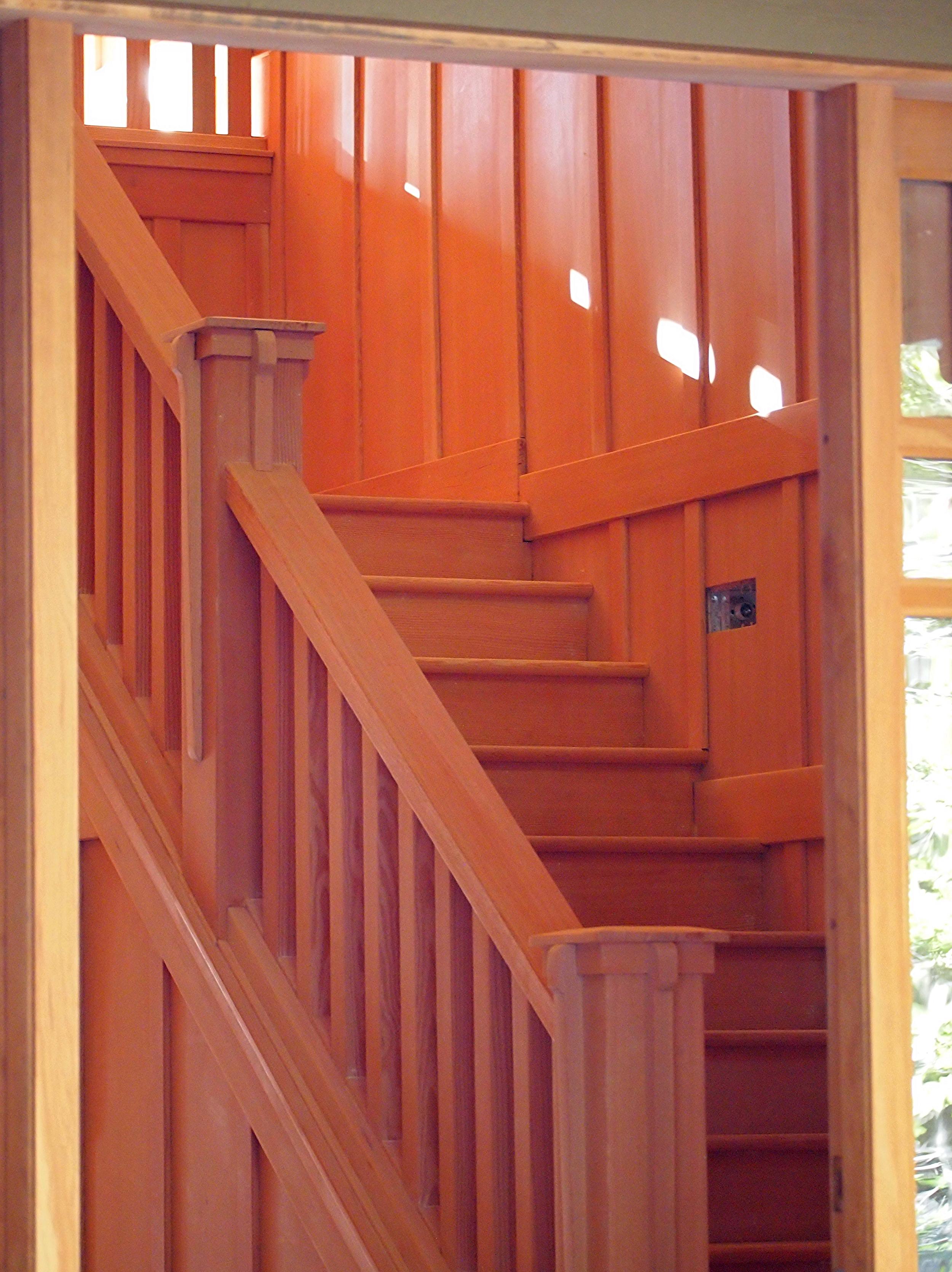 Vertical grain fir staircase in Arts & Crafts vineyard home