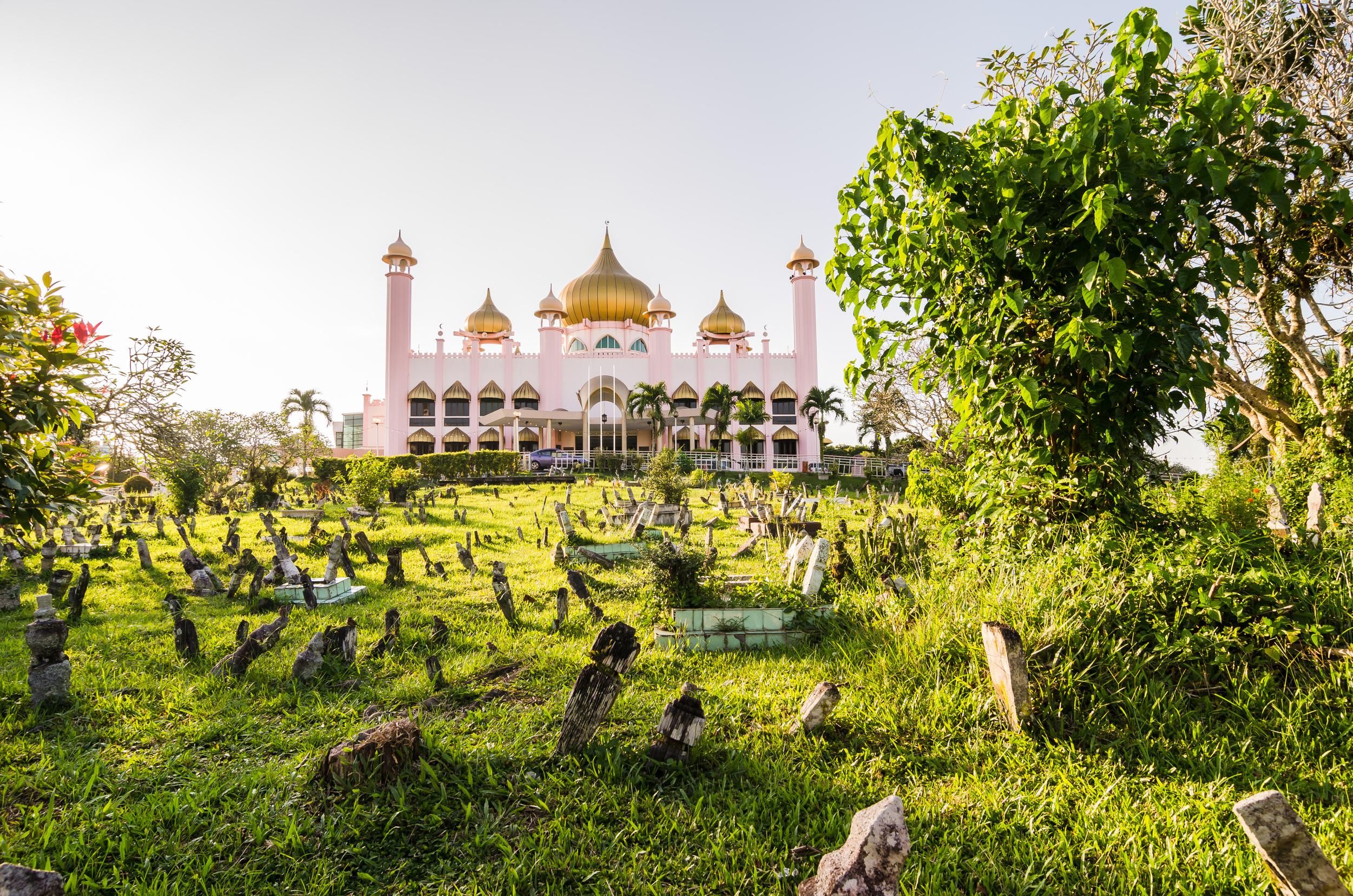 kuching-mosque.jpg