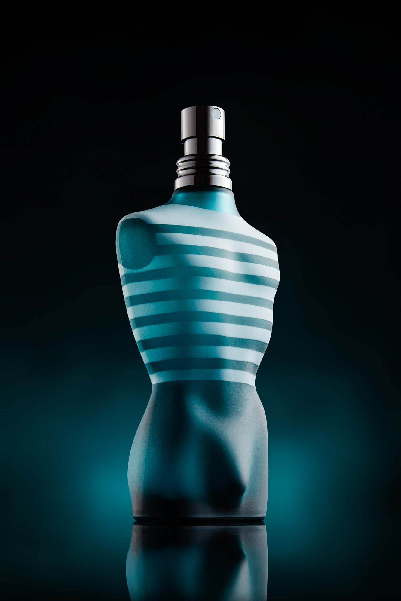 Jean Paul Gaultier Le Male advertisement