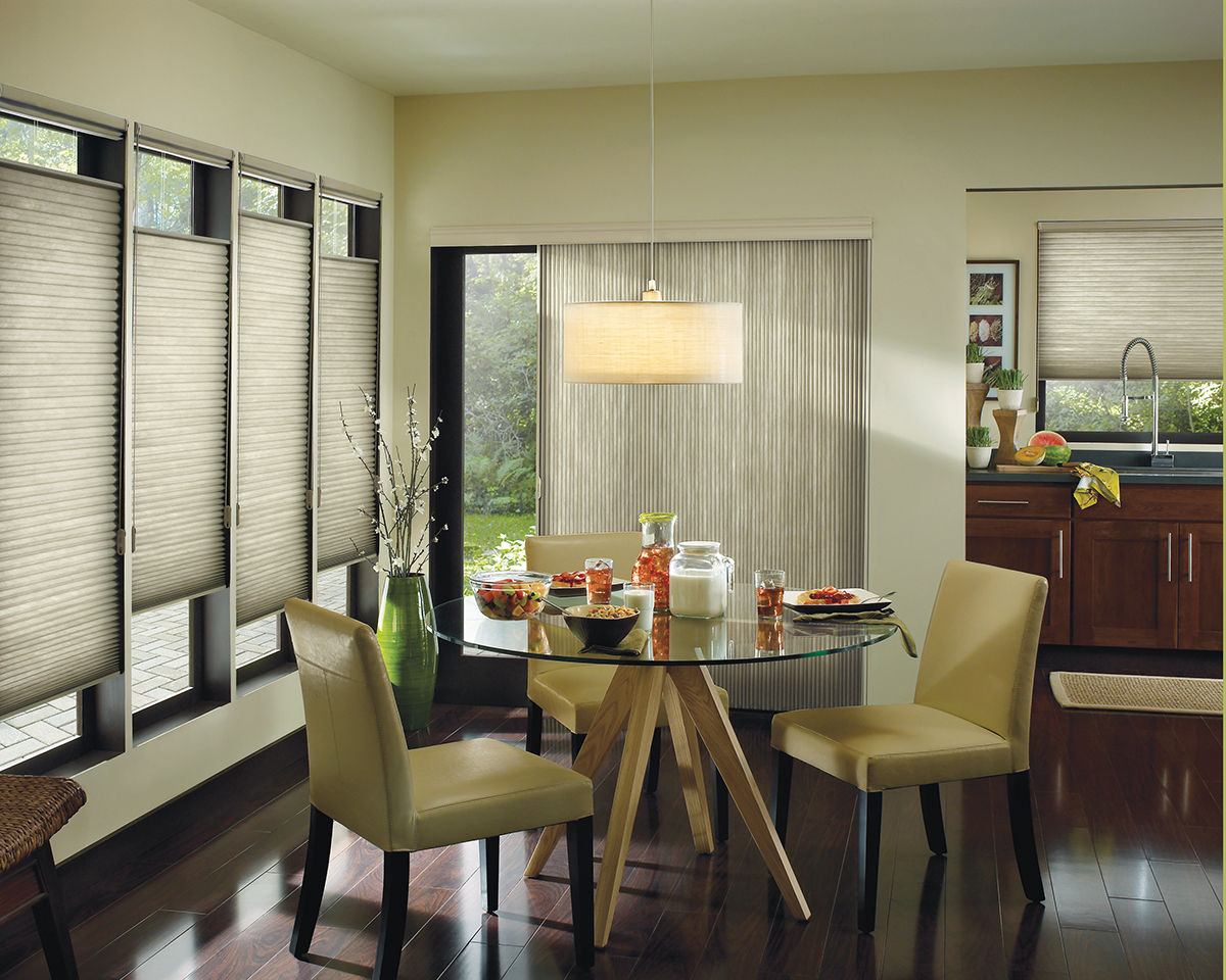 <p><strong></strong>Applause honeycomb shades