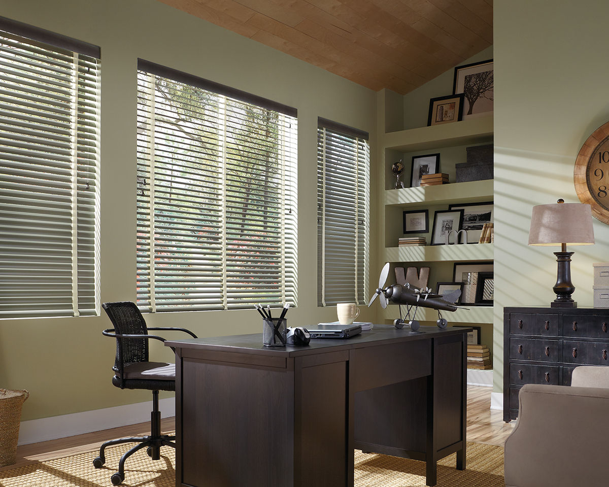<p><strong></strong>Natural Elements Blinds