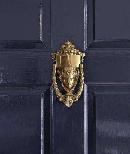 <p><strong></strong>Benjamin Moore Exterior Doors</a></p>