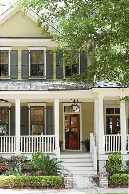 <p><strong></strong>Benjamin Moore Exterior Paint