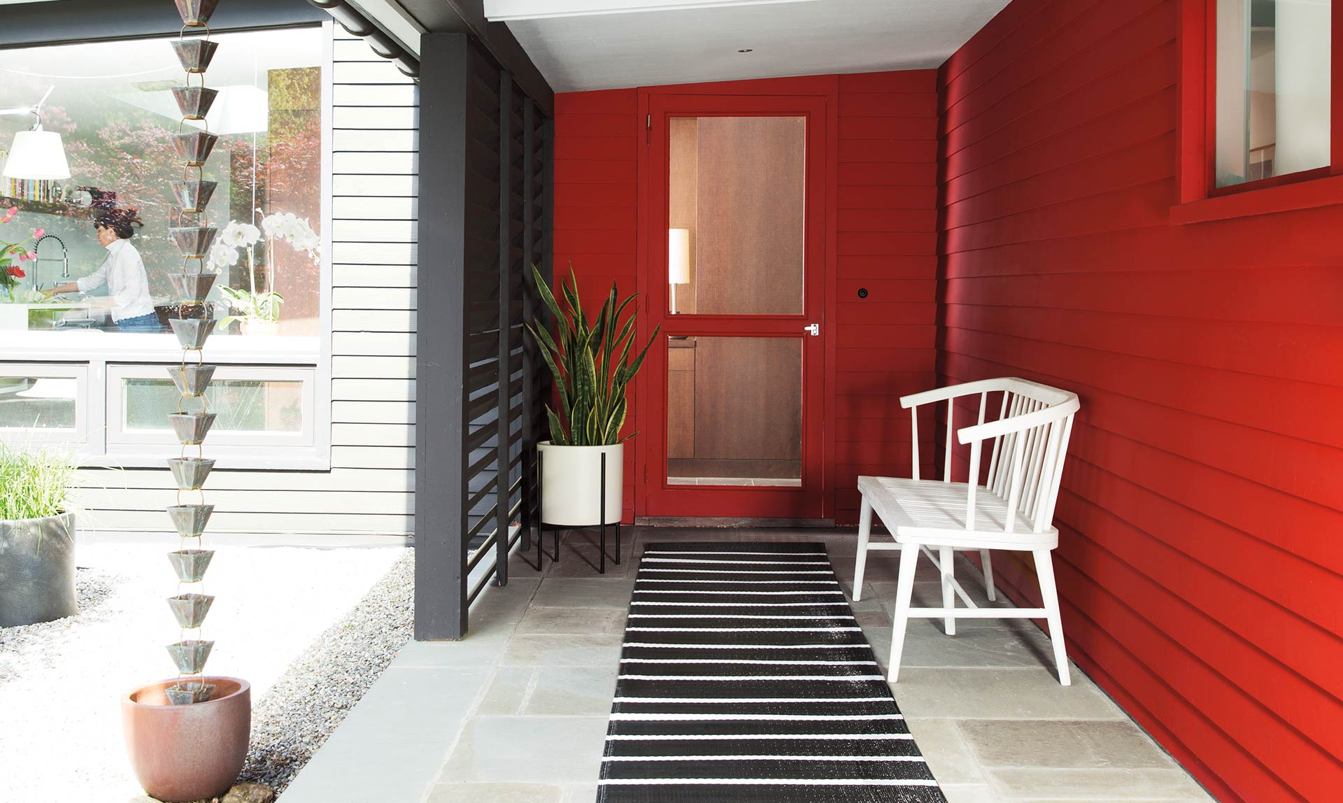Showcase your COLOR CONFIDENCE with Caliente AF-290 for an entrance packed with personality.