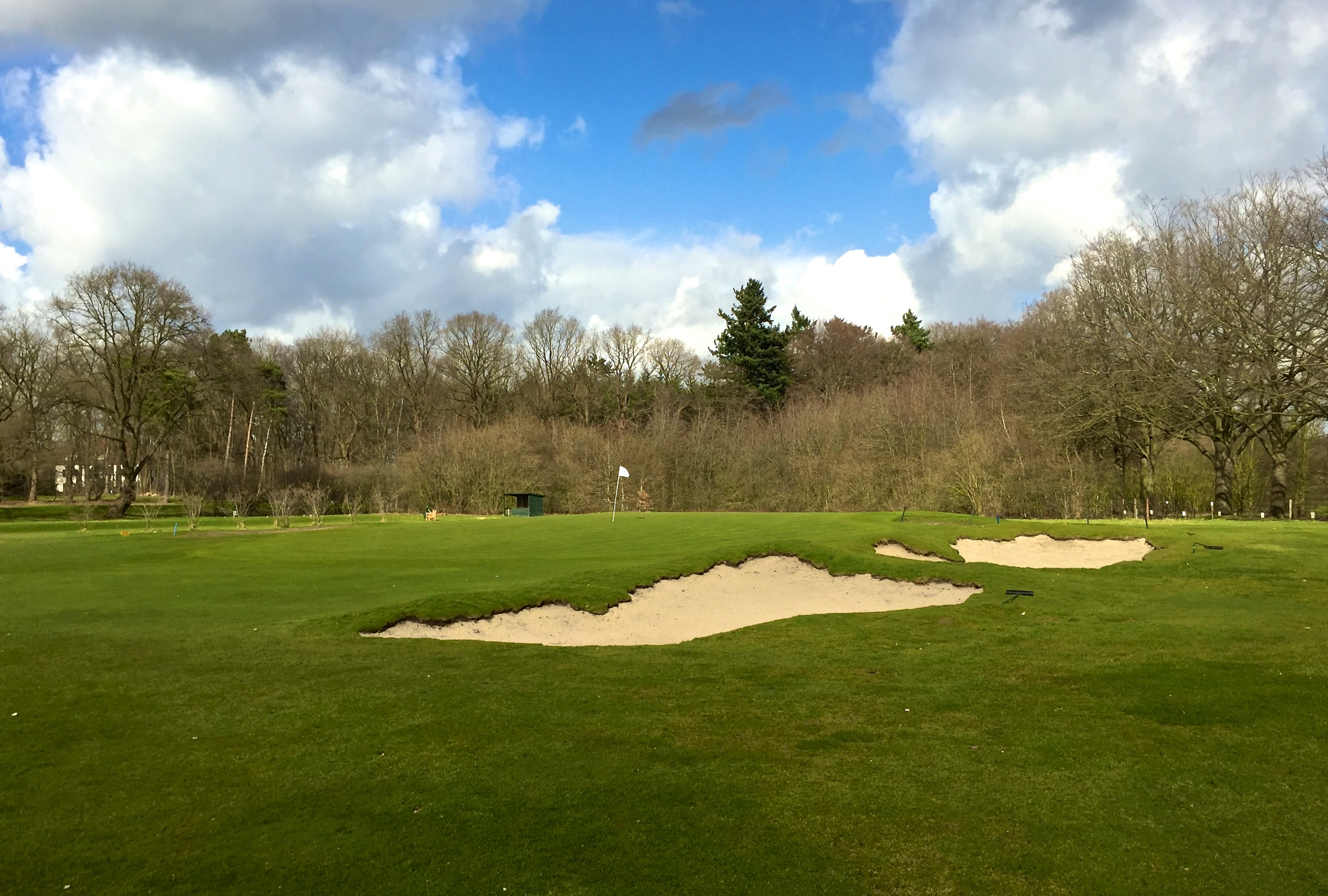 The greenside/approach bunkers of the 4th hole after.