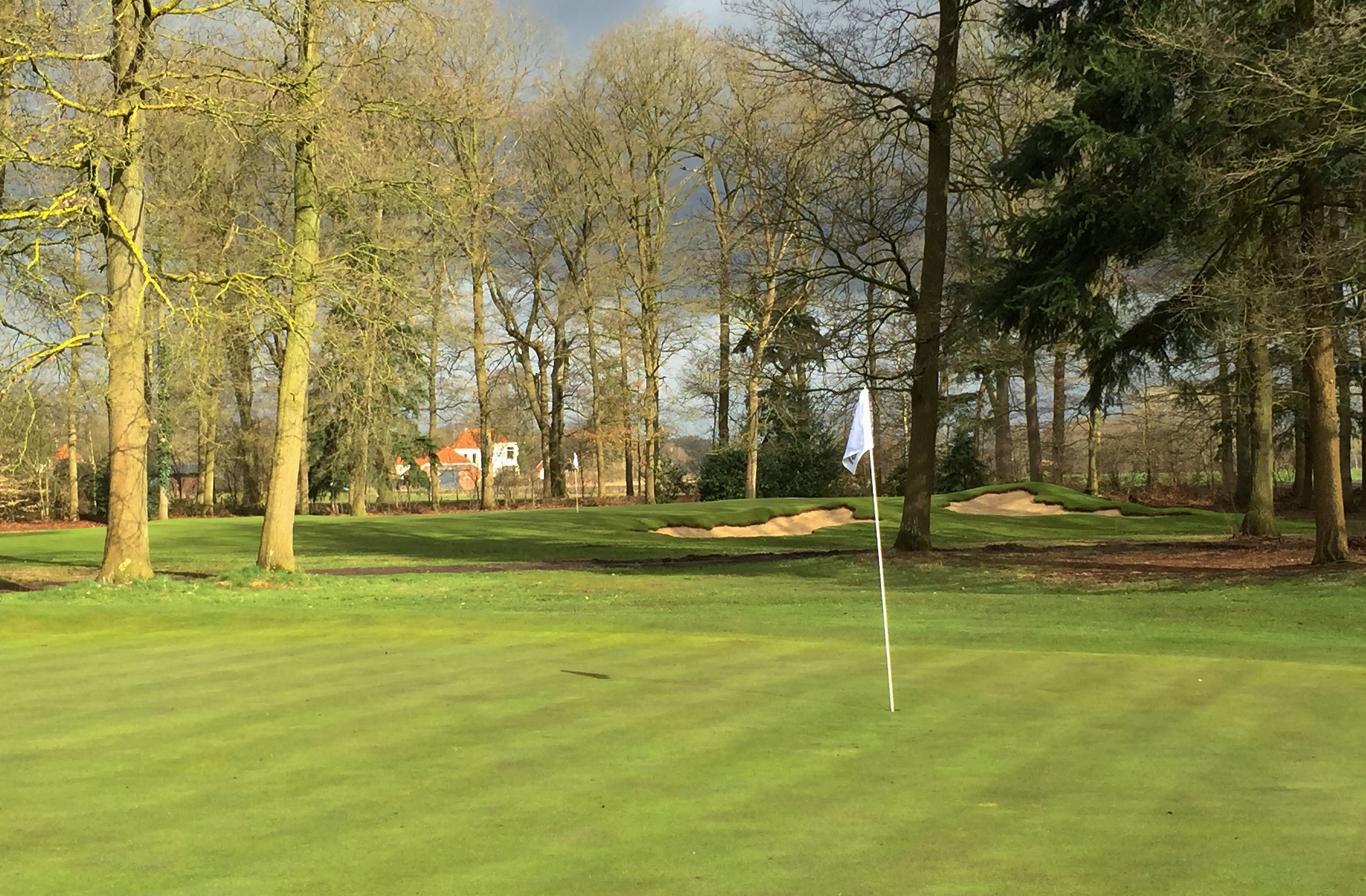 Hole 14 as viewed from the 16th green. Here thepair of bunkers also complement each other well.