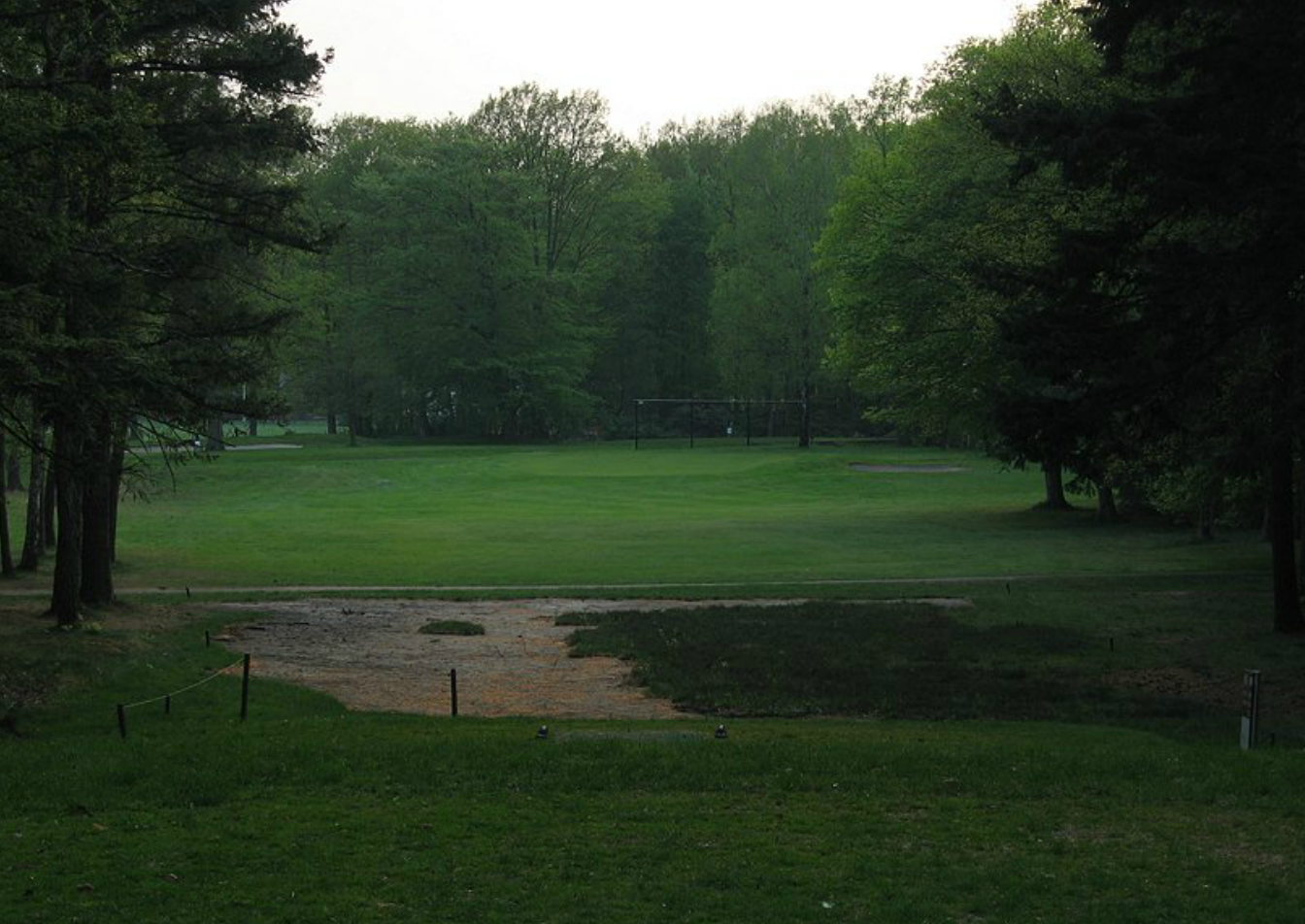 Hole 18 before from the tee.