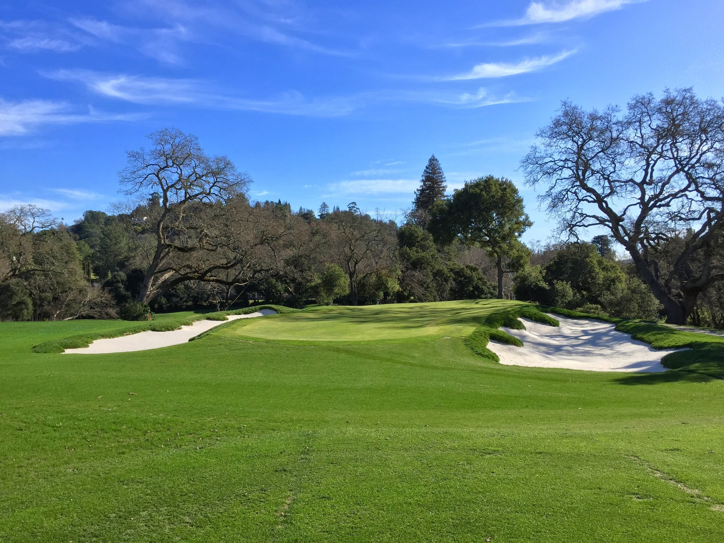 The retouched left corner of the 14th green at Orinda, which is now profiled against the sand, is the kind of detail work Hochstein Design prides itself upon.