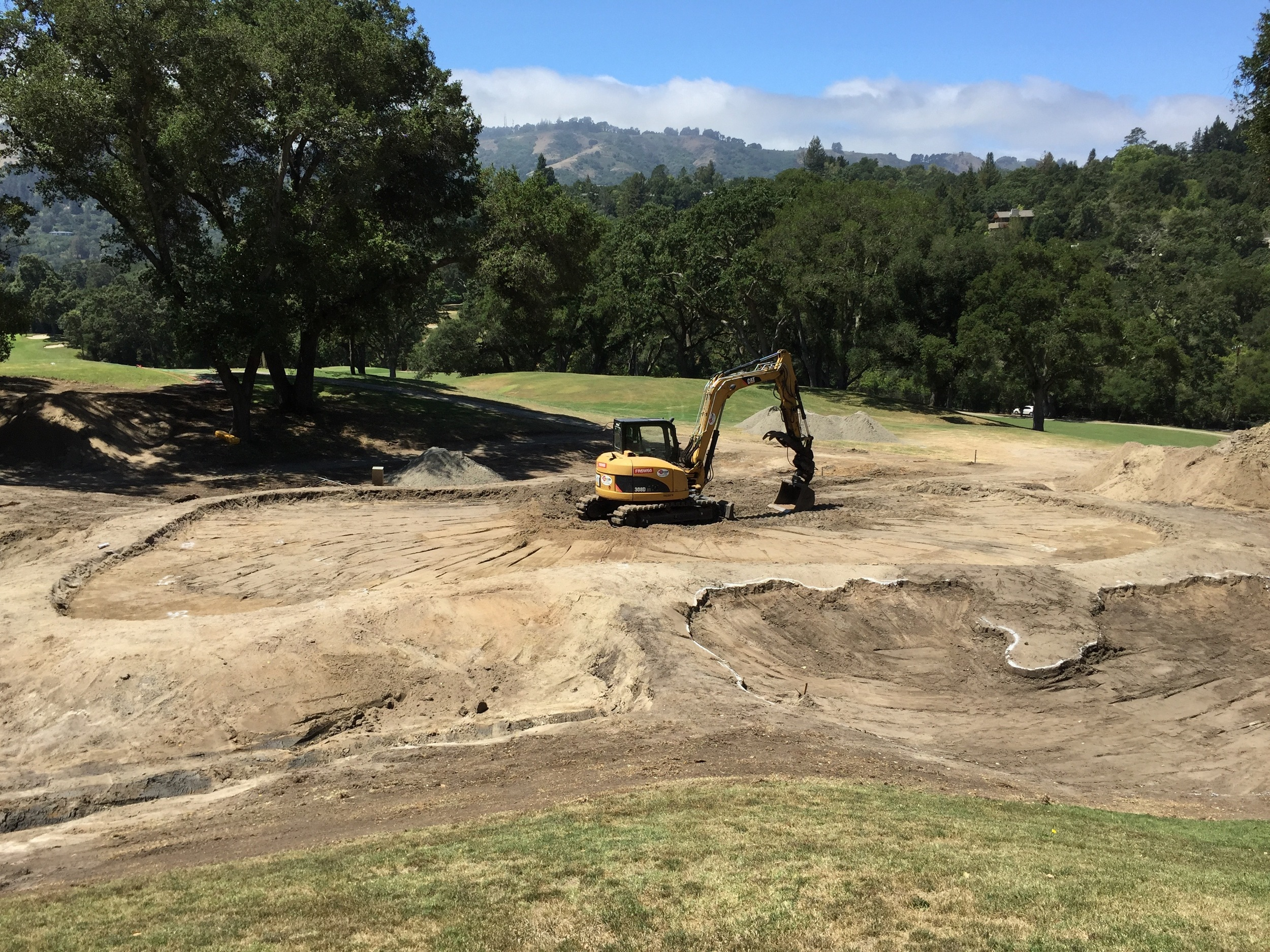 hochstein-design-orinda-cc-hole-8-construction-3.jpg