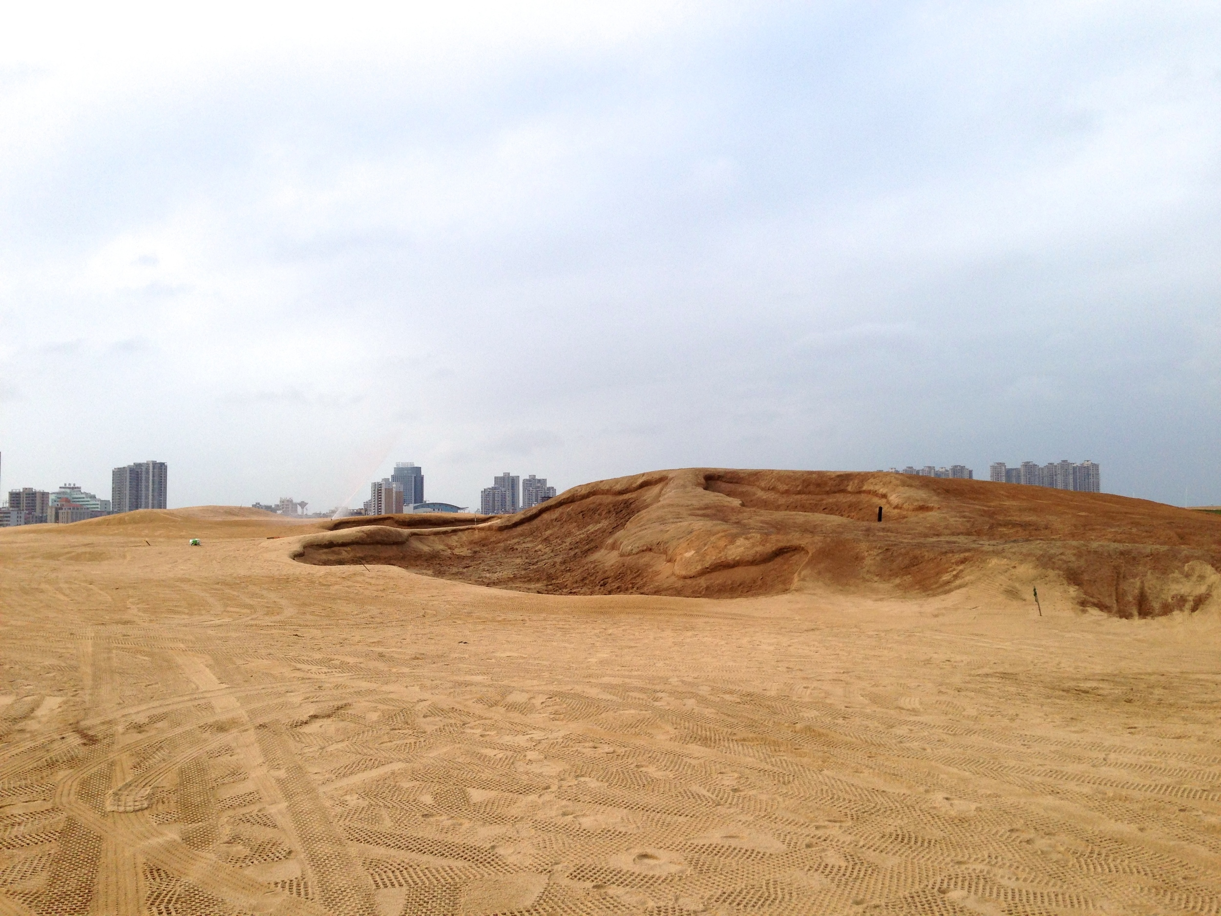 The giant dune bunker complex had to look good not just from the 6th fairway but also from many other points across the vast expanse of the front 9.