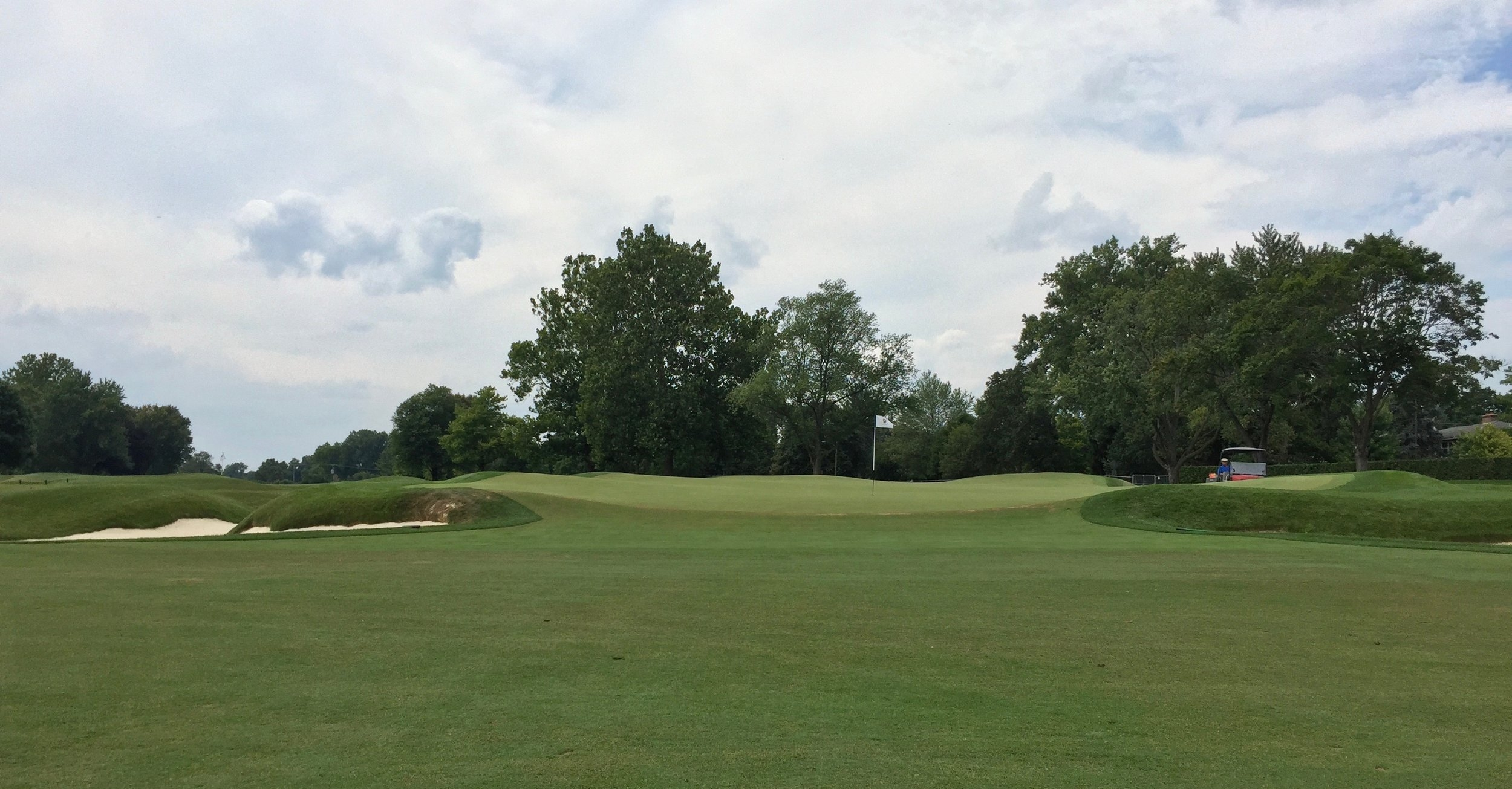 A number of the greens complexes at Birmingham have these wings and rolls not quite like anything I've ever seen, and Bruce Hepner brought the putting surface right out to the very edges in his recent restoration.