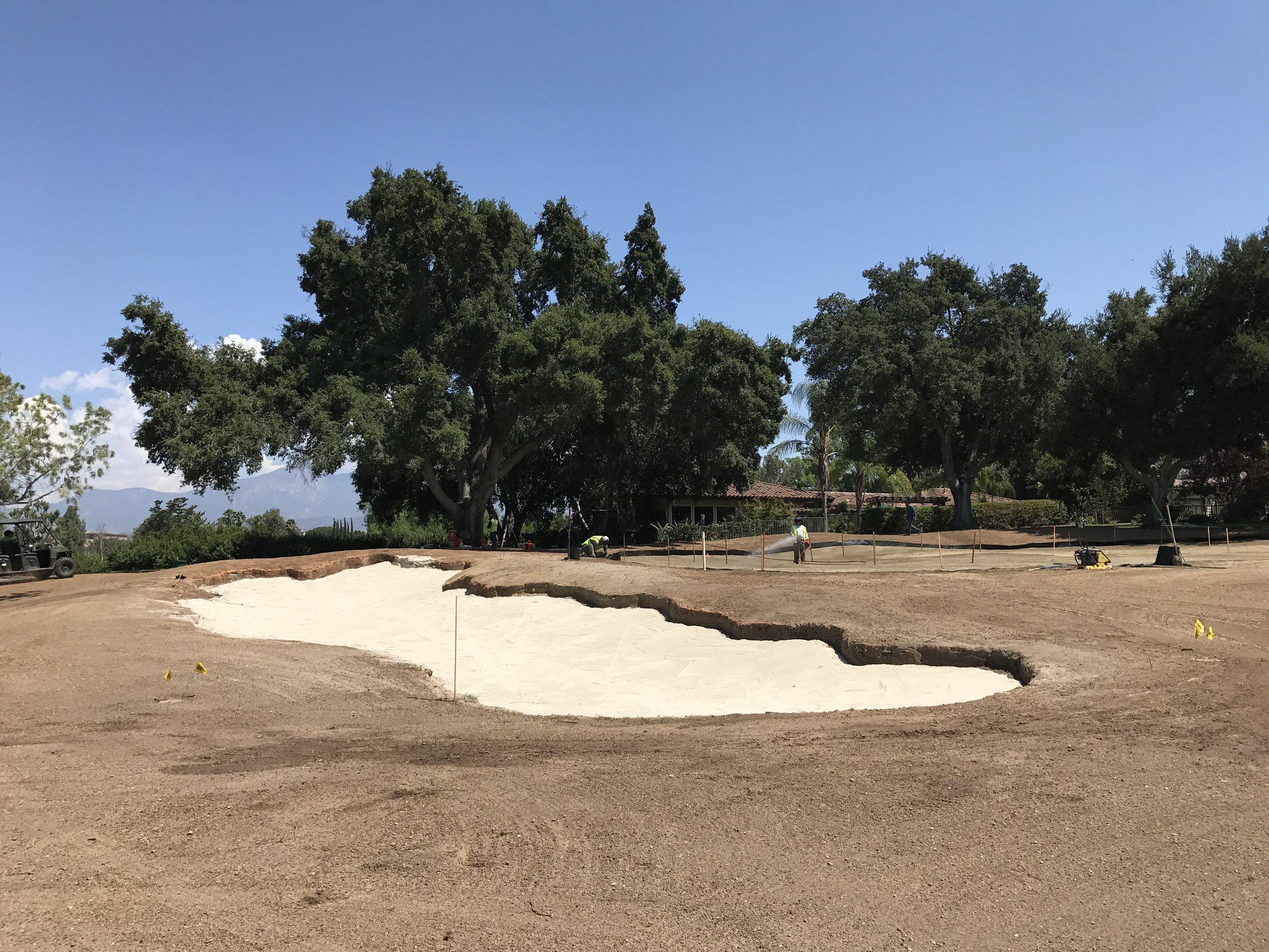 hochstein-design-2017-the-work-redlands-hole-2-left-bunker-sand.JPG