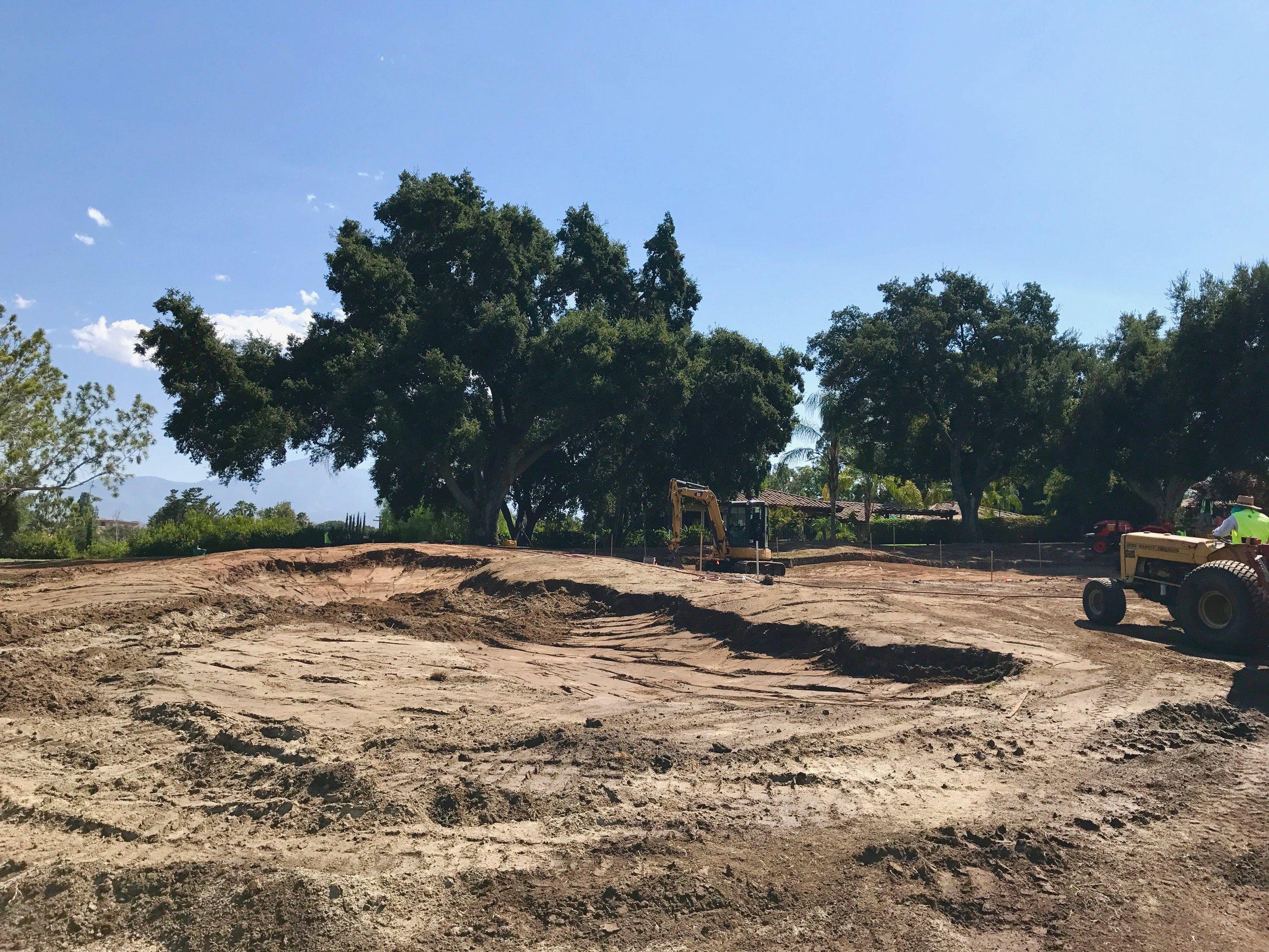 hochstein-design-2017-the-work-redlands-hole-2-left-bunker-progress.jpg