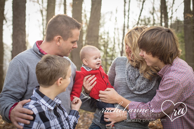 002_FAMILY_CHRISTMAS_PHOTOS_DUBOIS_PA.jpg