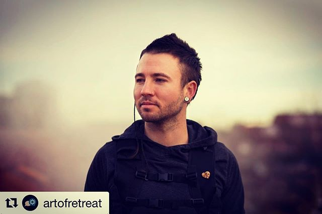 """#Repost @artofretreat ・・・ Amos Rendao is a co-founder, GM, head coach, and professional athlete of Apex School of Movement Headquarters, a global leader in exercise science and parkour with 5 locations across the USA. He co-founded the online academy Parkour EDU which now reaches students in over 60 countries with curriculum, certifications, and resources that have been in development since 2006. He co-founded and sits on the board of United States Parkour Association the national governing body for parkour in the USA. He is the creator of two groundbreaking projects in movement arts: The Art of Falling (aka Pk Ukemi) and movement science in the context of emergency situations (aka Pk Randori). In """"The Unifying Theory of Parkour Ukemi"""" Amos will explore the art of falling with hands-on practical drills and exercises. Failing is an essential part of the learning process, and in parkour that can often mean falling. Our practices and discipline is evolving to levels of complexity where this study is now essential to a sustainable future. Amos will help participants develop a relationship with the world around them that approaches invincibility, giving them options of sharp reactions no matter what their unexpected trajectory.  Learn more about Art of Retreat: https://bit.ly/2lOfZpt  The Art of Retreat North America is brought to you by our supporting sponsors: Parkour Visions, Enso Movement, and Parkour Generations Americas."""