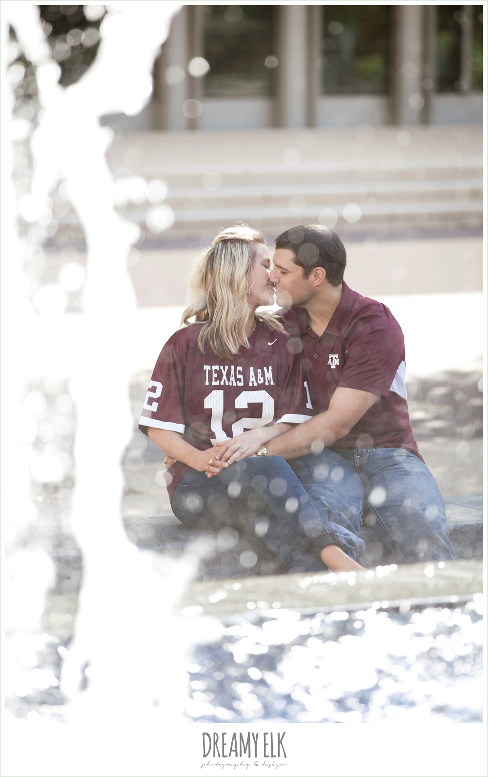 texas a&m university campus, rudder fountain engagement photo