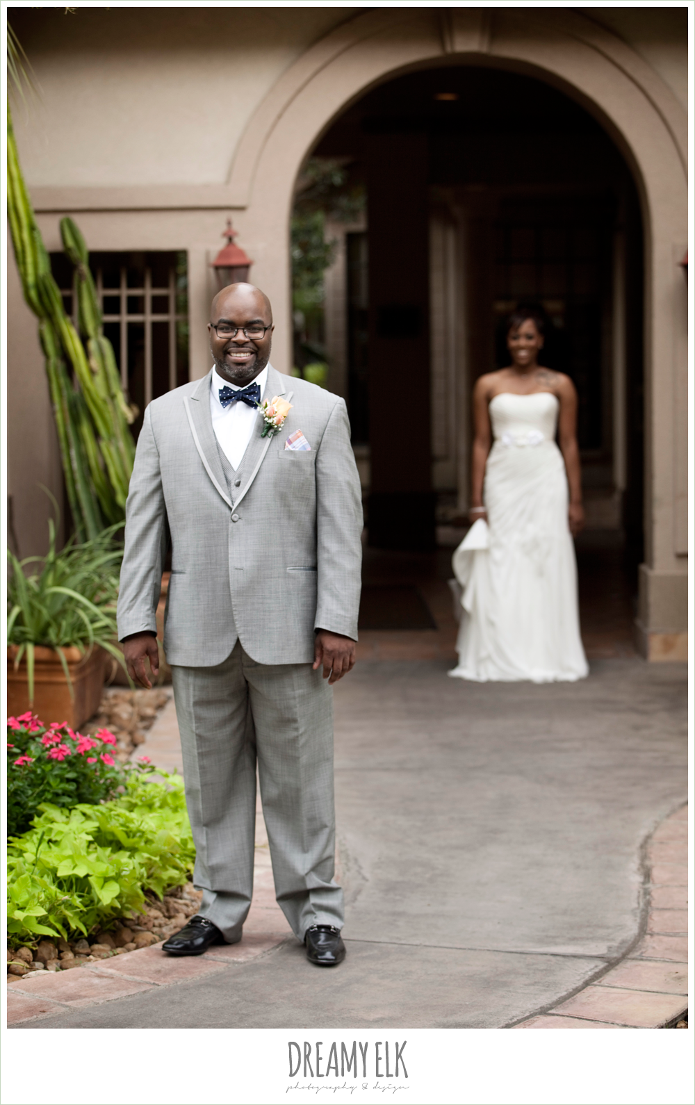 gray suit, navy bow tie, first look, northwest forest conference center, dreamy elk photography and design