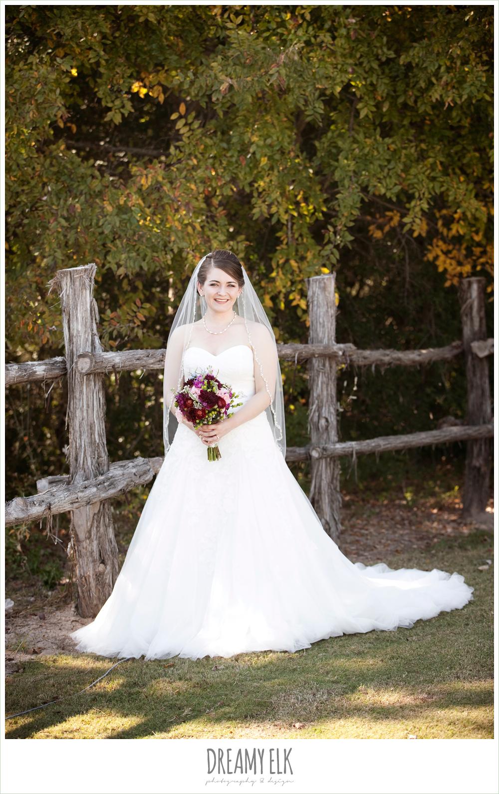 sweetheart strapless wedding dress, pronovias wedding dress, october wedding, inn at quarry ridge, dreamy elk photography and design