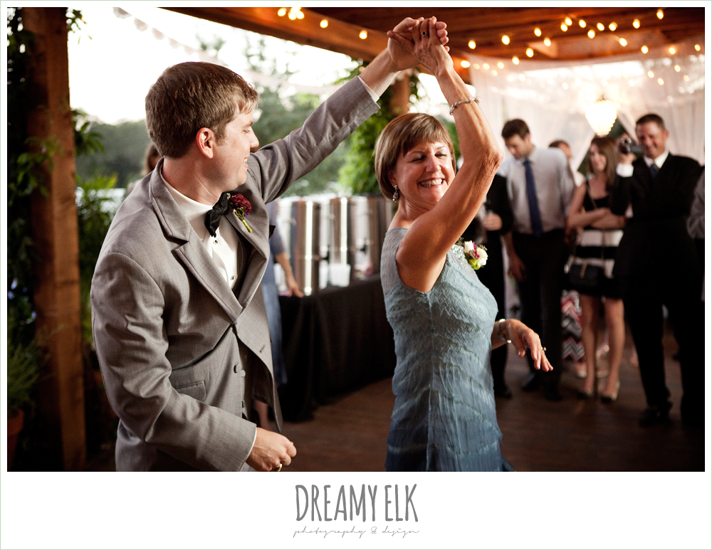 groom and mom dancing, october wedding, inn at quarry ridge, dreamy elk photography and design